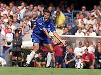 Gustavo Poyet - Chelsea. Chelsea v West Ham United. FA Premiership, 19/8/2000. Credit Colorsport / Nick Kidd.