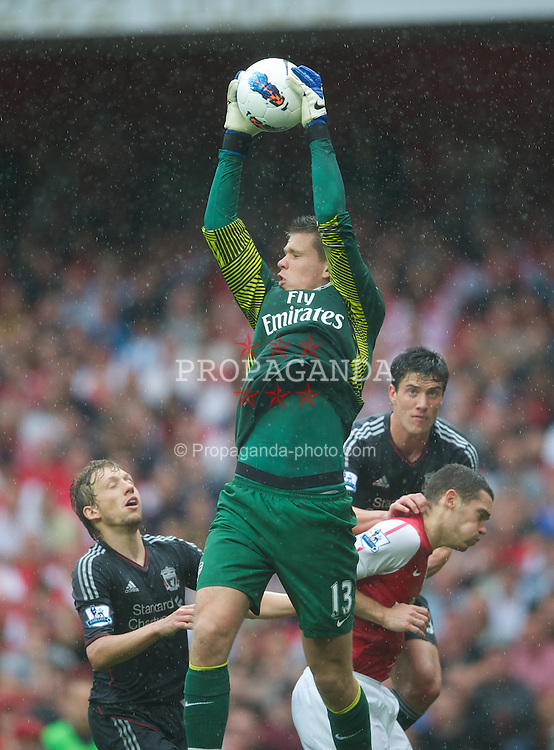 LONDON, ENGLAND - Saturday, August 20, 2011: Arsenal's goalkeeper Wojciech Szczesny in action against Liverpool during the Premiership match at the Emirates Stadium. (Pic by David Rawcliffe/Propaganda)