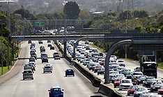 Auckland-South bound motorway traffic at a crawl