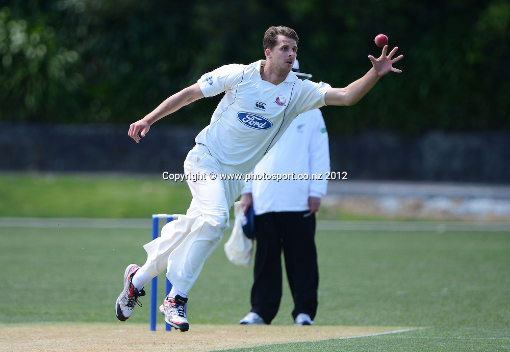 Aces bowler Dean Bartlett in action. Plunket Shield Cricket, Auckland Aces v Northern Knights at Eden Park outer oval. Saturday 10 November 2012. Photo: Andrew Cornaga/Photosport.co.nz