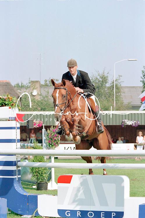 Peter Geerink-No Time<br />KWPN Paardendagen  Ermelo 2001<br />Photo &copy; Dirk Caremans
