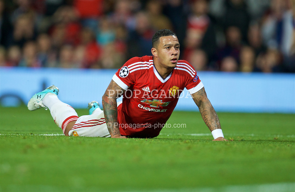 MANCHESTER, ENGLAND - Wednesday, September 30, 2015: Manchester United's Memphis Depay looks dejected after missing a chance against VfL Wolfsburg during the UEFA Champions League Group B match at Old Trafford. (Pic by David Rawcliffe/Propaganda)