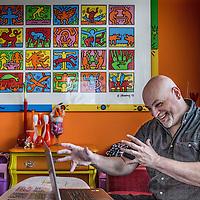 Nederland, Krimpen aan de Lek, 1 augustus 2016.<br /> Django Mathijsen (1966) is een Nederlandse sciencefiction- en fantasyauteur, wetenschapsjournalist en componist. <br /> <br /> <br /> Foto: Jean-Pierre Jans