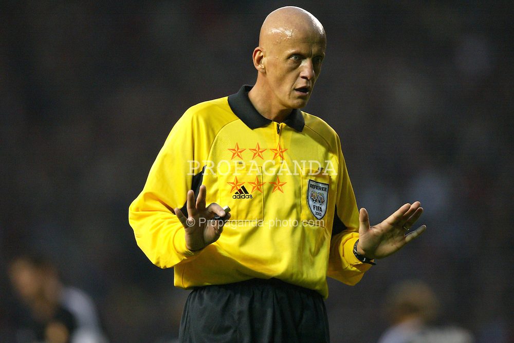 MANCHESTER, ENGLAND - Wednesday, April 23, 2003: Italian referee Pierluigi Collina takes charge of Manchester United against Real Madrid during the UEFA Champions League Quarter Final 2nd Leg match at Old Trafford. (Pic by David Rawcliffe/Propaganda)