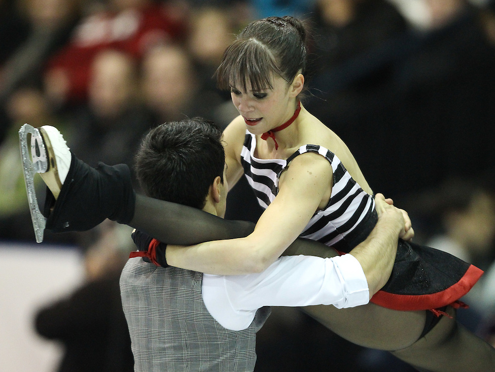GJR459 -20111030- Mississauga, Ontario,Canada-  Anna Cappellini and Luca Lanotte of Italy perform their free dance at Skate Canada International, in Mississauga, Ontario, October 30, 2011.<br /> AFP PHOTO/Geoff Robins