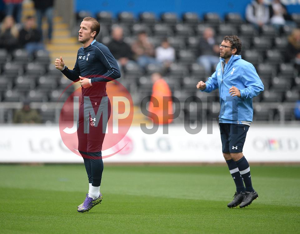 Harry Kane of Tottenham Hotspur warms up prior to kick off. - Mandatory byline: Alex James/JMP - 07966 386802 - 04/10/2015 - FOOTBALL - Liberty stadium - Swansea, England - Swansea City  v Tottenham hotspur - Barclays Premier League