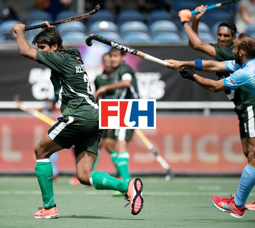 BREDA - Rabobank Hockey Champions Trophy<br /> India - Pakistan<br /> Photo: Aleem Bilal.<br /> COPYRIGHT WORLDSPORTPICS FRANK UIJLENBROEK