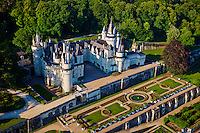 "France, Indre-et-Loire (37), Vallée de la Loire classée Patrimoine Mondial de l' UNESCO, Rigny-Ussé, château d' Ussé qui a inspiré Charles Perrault pour La Belle au bois dormant. // France, Indre et Loire (Department), Loire valley (Unesco World Heritage), Ussé castle, Charles Perrault wrote ""Sleeping Beauty"" here during his stay in 1697."