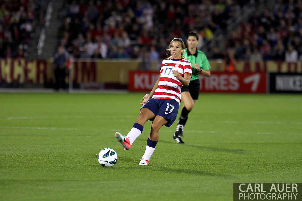 September 19, 2012 Commerce City, CO.  USA m Tobin Heath (17) during the Soccer Match between the USA Women's National Team and the Women's Australian team at Dick's Sporting Goods Park in Commerce City, Colorado