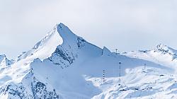 THEMENBILD - der Kitzsteinhorn Gletscher mit seinem Gipfel und dem Skigebiet der Kapruner Gletscherbahnen AG, aufgenommen am 5. Feber 2018 in Zell am See - Kaprun, Österreich // the Kitzsteinhorn glacier with the summit and the Kaprun glacier ski lifts, Zell am See Kaprun, Austria on 2018/02/05. EXPA Pictures © 2018, PhotoCredit: EXPA/ JFK