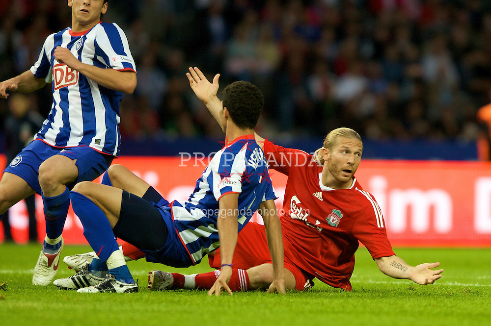 BERLIN, GERMANY - Tuesday, July 22, 2008: Liverpool's Andriy Voronin is brought down for a penalty against Hertha BSC Berlin during a pre-season friendly match at the Olympiastadion. (Photo by David Rawcliffe/Propaganda)