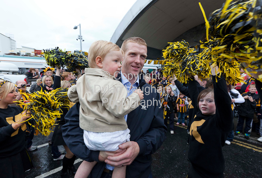 5/9/2011.Henry Shefflin and his son Henry pictured at the homecoming for the Kilkenny Senior All Ireland Hurling Team last night..Picture Dylan Vaughan.