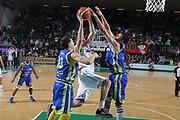 DESCRIZIONE : Treviso Lega A 2011-12 Benetton Treviso Fabi Shoes Montegranaro<br /> GIOCATORE : Dejan Ivanov<br /> SQUADRA : Benetton Treviso Fabi Shoes Montegranaro<br /> EVENTO : Campionato Lega A 2011-2012 <br /> GARA : Benetton Treviso Fabi Shoes Montegranaro<br /> DATA : 24/03/2012<br /> CATEGORIA : Stoppata<br /> SPORT : Pallacanestro <br /> AUTORE : Agenzia Ciamillo-Castoria/G.Contessa<br /> Galleria : Lega Basket A 2011-2012 <br /> Fotonotizia : Treviso Lega A 2011-12 Benetton Treviso Fabi Shoes Montegranaro<br /> Predfinita :
