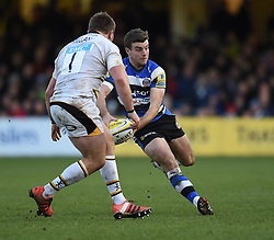 Bath Rugby fly half George Ford passes the ball in Aviva Premiership clash against Wasps at the Recreation Ground - Photo mandatory by-line: Paul Knight/JMP - Mobile: 07966 386802 - 10/01/2015 - SPORT - Rugby - Bath - The Recreation Ground - Bath Rugby v Wasps - Aviva Premiership