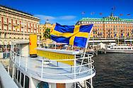 Sightseeingbåt vid  Stockholms ström