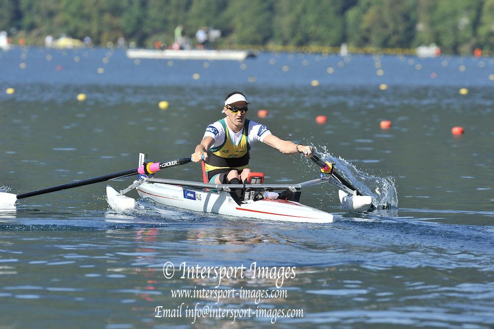 Bled, SLOVENIA.  AUS ASM1X. Erik HORRIE  Monday Heats. Start.  2011 FISA World Rowing Championships, Lake Bled. Monday  29/08/2011  [Mandatory Credit; Peter Spurrier/ Intersport Images]