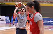DESCRIZIONE : Torneo di Schio - allenamento  <br /> GIOCATORE : Giulia Gatti<br /> CATEGORIA : nazionale femminile senior A <br /> GARA : Torneo di Schio - allenamento<br /> DATA : 27/12/2014 <br /> AUTORE : Agenzia Ciamillo-Castoria