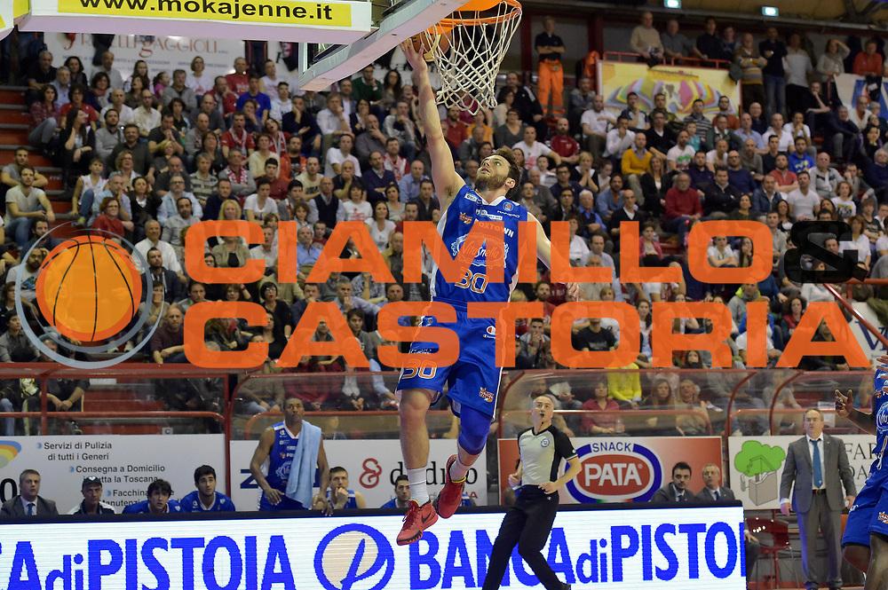 DESCRIZIONE : Campionato 2014/15 Giorgio Tesi Group Pistoia - Acqua Vitasnella Cant&ugrave;<br /> GIOCATORE : Stefano Gentile<br /> CATEGORIA : tiro sottomano<br /> SQUADRA : Acqua Vitasnella Cantu&rsquo;<br /> EVENTO : LegaBasket Serie A Beko 2014/2015<br /> GARA : Giorgio Tesi Group Pistoia - Acqua Vitasnella Cant&ugrave;<br /> DATA : 30/03/2015<br /> SPORT : Pallacanestro <br /> AUTORE : Agenzia Ciamillo-Castoria/GiulioCiamillo<br /> Galleria : LegaBasket Serie A Beko 2014/2015<br /> Fotonotizia : Campionato 2014/15 Giorgio Tesi Group Pistoia - Acqua Vitasnella Cant&ugrave;<br /> Predefinita :