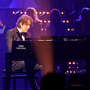 NLD/Hilversum/20120205 - Concert tbv Stichting DON, optreden Michiel Borstlap