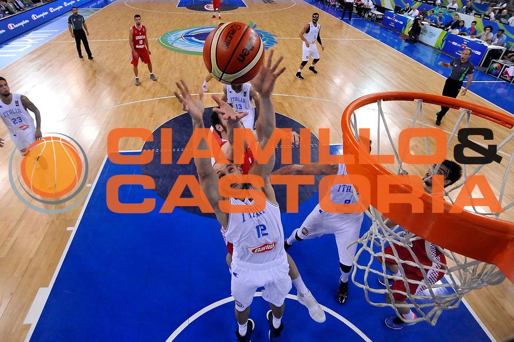 DESCRIZIONE: Torino FIBA Olympic Qualifying Tournament Italia - Croazia<br /> GIOCATORE: Marco Cusin<br /> CATEGORIA: Nazionale Italiana Italia Maschile Senior<br /> GARA: FIBA Olympic Qualifying Tournament Italia - Croazia<br /> DATA: 05/07/2016<br /> AUTORE: Agenzia Ciamillo-Castoria
