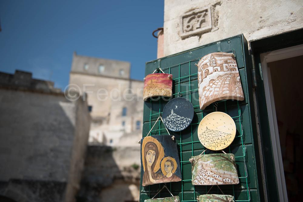 Souvenir ceramics in Sasso Caveoso