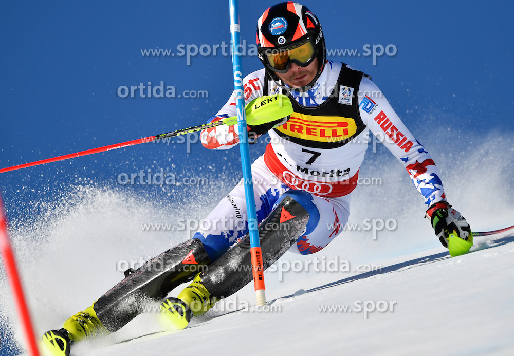 19.02.2017, St. Moritz, SUI, FIS Weltmeisterschaften Ski Alpin, St. Moritz 2017, Slalom, Herren, 1. Lauf, im Bild Alexander Khoroshilov (RUS) // Alexander Khoroshilov of Russian Federation in action during his 1st run of men's Slalom of the FIS Ski World Championships 2017. St. Moritz, Switzerland on 2017/02/19. EXPA Pictures &copy; 2017, PhotoCredit: EXPA/ Nisse Schmidt<br /> <br /> *****ATTENTION - OUT of SWE*****