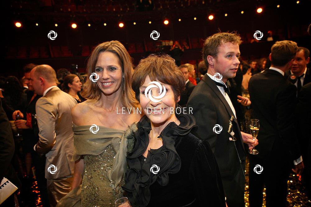 AMSTERDAM - In theater Carre is de Gouden Televizier Ring gala weer geweest.  Met op de foto Mies Bouwman. FOTO LEVIN DEN BOER - PERSFOTO.NU