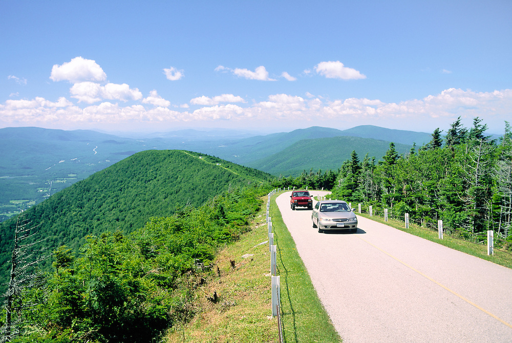 Cars on panoramic Mount Equinox Skyline Drive, highest peak in Taconic Range. Near Manchester, Bennington County, Vermont, USA
