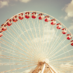 Ferris Wheel at Chicago Navy Pier vintage picture. Photo has nostalgic 1950s or 1960s tone. Image Copyright © Paul Velgos All Rights Reserved.