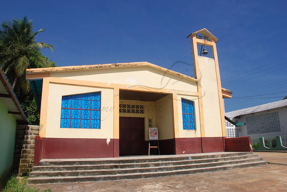 Iglesia de Maria Auxiliadora (Don Bosco) en la Isla Carmen de Raton (isla mas grande del rio Orinoco) en el rio Orinoco, estado Amazonas, Venezuela. ©Jimmy Villalta