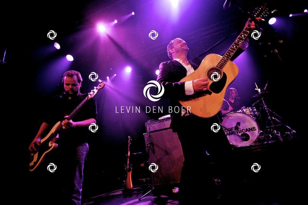 SCHIJNDEL - Tijdens paaspop speelden de Johnny Cash tribute band van Nederland genaamd Def Americans de zaal plat. FOTO LEVIN DEN BOER - PERSFOTO.NU