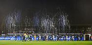 FODBOLD: Spillerne går på banen i en regn af konfetti under kampen i ALKA Superligaen mellem FC Helsingør og AaB den 25. november 2017 på Helsingør Stadion. Foto: Claus Birch