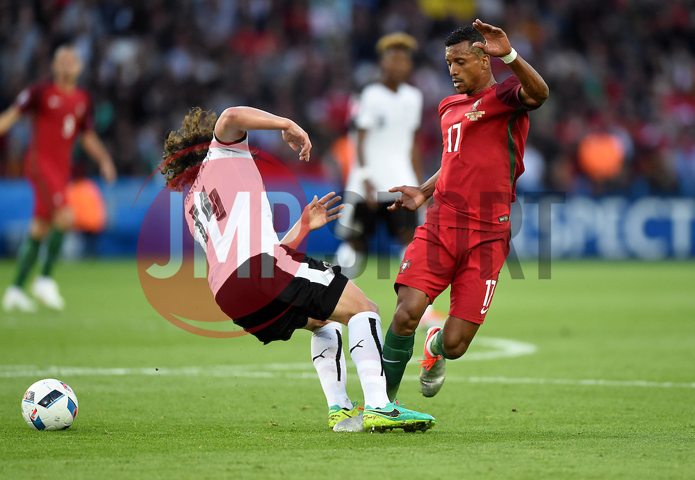 Julian Baumgartlinger of Austria battles for the ball with Nani of Portugal  - Mandatory by-line: Joe Meredith/JMP - 18/06/2016 - FOOTBALL - Parc des Princes - Paris, France - Portugal v Austria - UEFA European Championship Group F