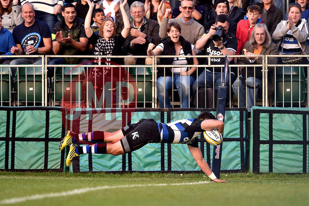 Jeff Williams of Bath Rugby dives for the try-line - Mandatory byline: Patrick Khachfe/JMP - 07966 386802 - 26/09/2015 - RUGBY UNION - The Recreation Ground - Bath, England - Bath Rugby v Gloucester Rugby - West Country Challenge Cup.