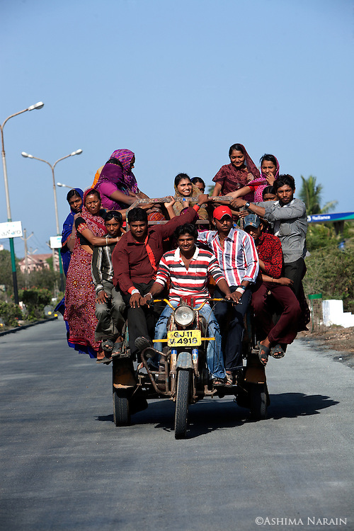 Chakdas are shared motorcycle rickshaws that are used throughout Gujarat. They can accomodate as many passengers as fit!