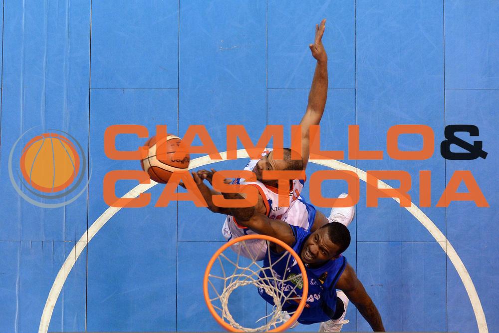 Lee Moore, Jeremy Lamar Chappell<br /> Red October Cantu - Germani Leonessa Basket Brescia<br /> LegaBasket Serie A 2017/2018<br /> Desio, 04/12/2017<br /> Foto M.Ceretti / Ciamillo - Castoria