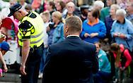 dieren - politieagenten op straat  en beveiligers  beveiling ,  koninklijkhuis , aanslag , dreiging  , Den Haag - Binnen de Landelijke Eenheid van de politie wordt vandaag gesproken over de onrust binnen de Dienst Bewaken en Beveiligen (DBB). De leiding van de eenheid en de chef van dienst waartoe de DBB hoort, gaan praten met beveiligers en leidinggevenden. copyright robin utrecht