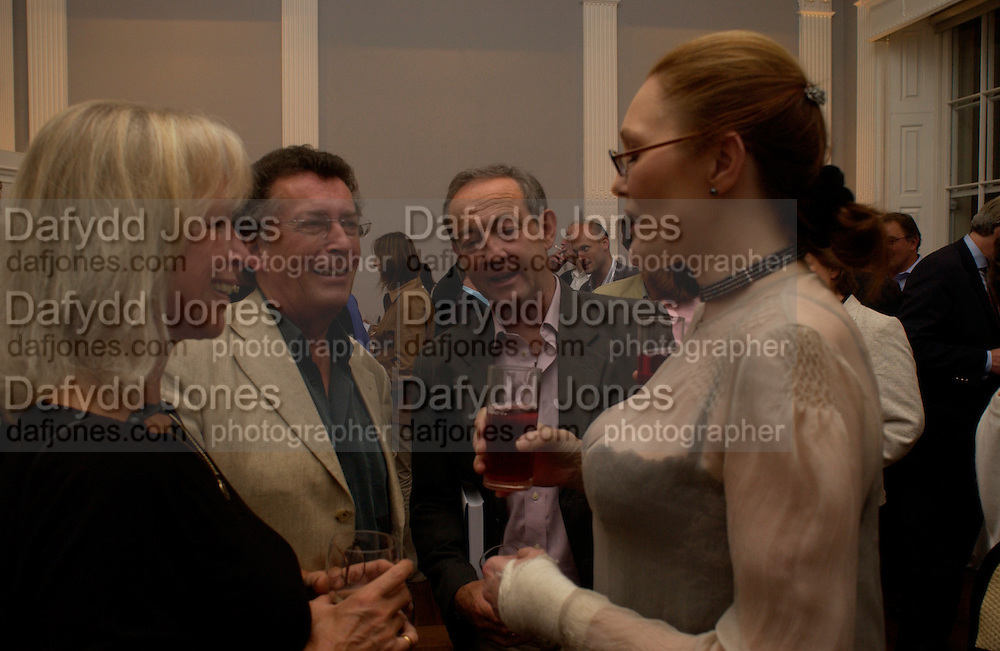 Robert and Babs Powell, Dan Topolski and Tessa Dahl, launch of 'David Hemmings Blow-Up and other exaggerations'. Published by Robson. I.C.A. The Mall.  SUPPLIED FOR ONE-TIME USE ONLY-DO NOT ARCHIVE. © Copyright Photograph by Dafydd Jones 66 Stockwell Park Rd. London SW9 0DA Tel 020 7733 0108 www.dafjones.com