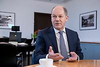 21 NOV 2018, BERLIN/GERMANY:<br /> Olaf Scholz, SPD, Bundesfinanzminister, waehrend einem Interview, in seinem Buero, Bundesministerium der Finanzen<br /> IMAGE: 20181121-01-012<br /> KEYWORDS: B&uuml;ro