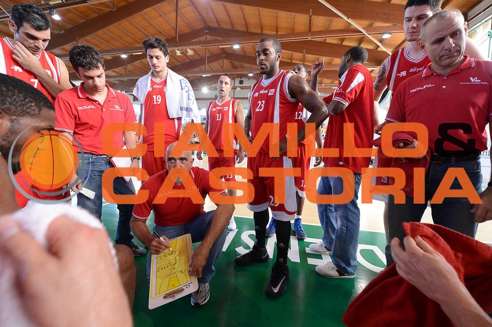 DESCRIZIONE : Porto Sant'Elpidio 3&deg; Torneo della Calzatura Victoria Libertas Pesaro Cimberio Varese<br /> GIOCATORE : team<br /> CATEGORIA : time out<br /> SQUADRA : Victoria Libertas Pesaro<br /> EVENTO : Porto Sant'Elpidio 3&deg; Torneo della Calzatura<br /> GARA : Victoria Libertas Pesaro Cimberio Varese<br /> DATA : 15/09/2012<br /> SPORT : Pallacanestro<br /> AUTORE : Agenzia Ciamillo-Castoria/GiulioCiamillo<br /> Galleria : Lega Basket A 2012-2013<br /> Fotonotizia : Porto Sant'Elpidio 3&deg; Torneo della Calzatura Victoria Libertas Pesaro Cimberio Varese<br /> Predefinita :