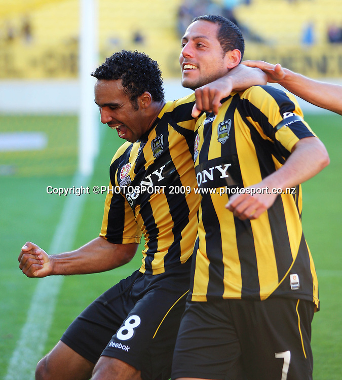 Phoenix goalscorer Paul Ifill celebrates with Leo bertos.<br /> A-League football - Wellington Phoenix v Perth Glory at Westpac Stadium, Wellington. Sunday, 8 November 2009. Photo: Dave Lintott/PHOTOSPORT