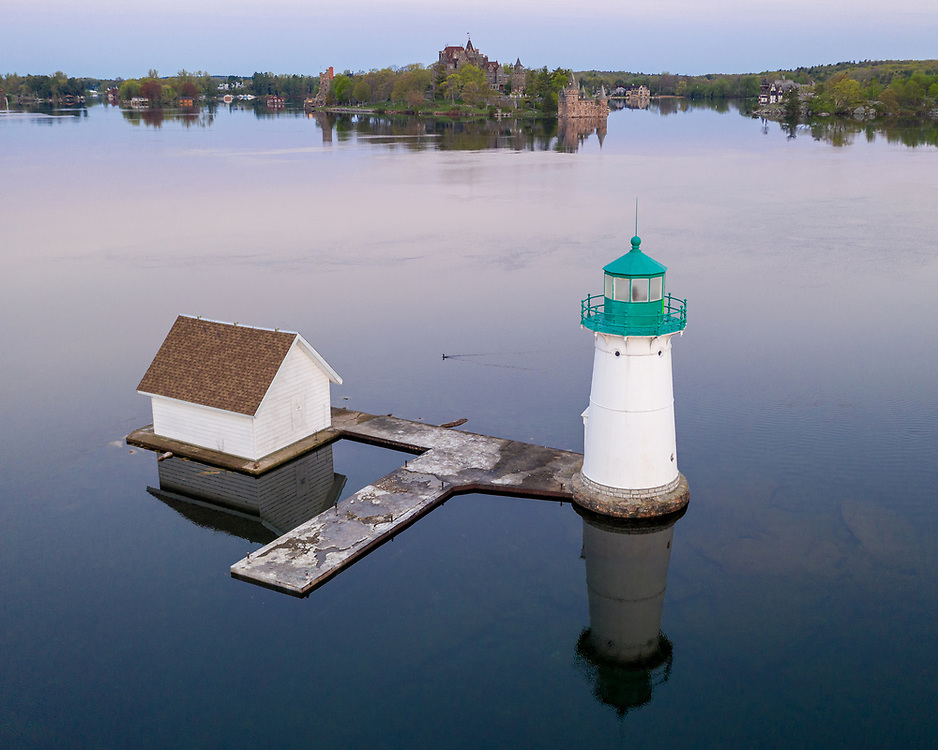 https://Duncan.co/sunken-rock-light-and-boldt-castle