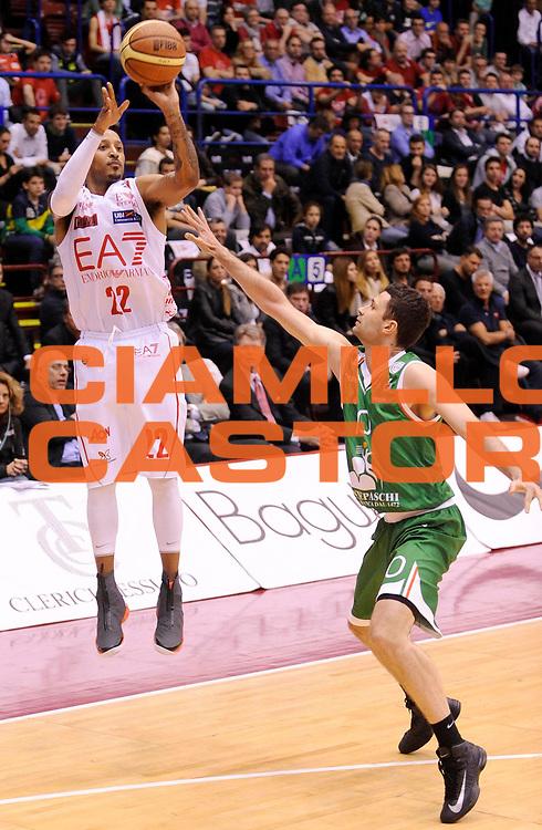 DESCRIZIONE : Milano Lega A 2012-13 Play Off Quarti di Finale Gara1 EA7 Olimpia Armani Milano Montepaschi Siena<br /> GIOCATORE :  Ernest Jr Bremer<br /> SQUADRA : EA7 Olimpia Armani Milano <br /> EVENTO : Campionato Lega A 2012-2013 Play Off Quarti di Finale Gara1<br /> GARA :  EA7 Olimpia Armani Milano Montepaschi Siena<br /> DATA : 10/05/2013<br /> CATEGORIA : Tiro Three Points<br /> SPORT : Pallacanestro<br /> AUTORE : Agenzia Ciamillo-Castoria/A.Giberti<br /> Galleria : Lega Basket A 2012-2013<br /> Fotonotizia : Milano Lega A 2012-13 EA7 Olimpia Armani Milano Montepaschi Siena<br /> Predefinita :