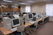 17334Auto I.D. Lab working: Engineering students Classroom technology