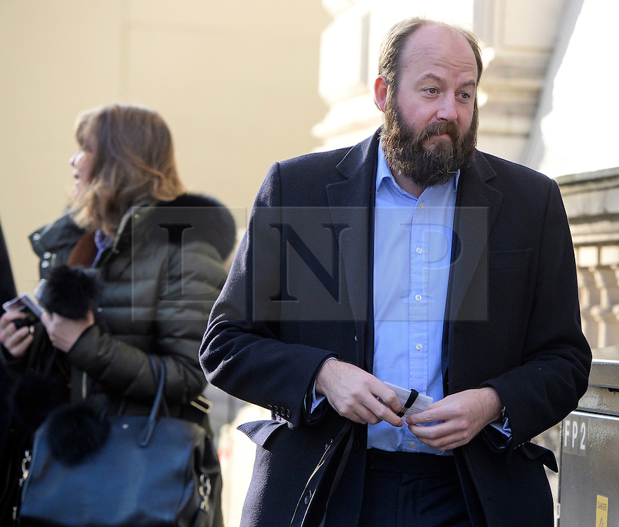 © Licensed to London News Pictures. 11/11/2016. London, UK. Advisors to British prime minister Theresa May, NICK TIMOTHY (right) and FIONA HILL (left) arrive at Downing Street on November 11, 2016. .  Photo credit: Ben Cawthra/LNP