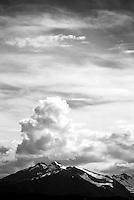 Skyer over Sunnmørsalpane.<br /> Foto: Svein Ove Ekornesvåg