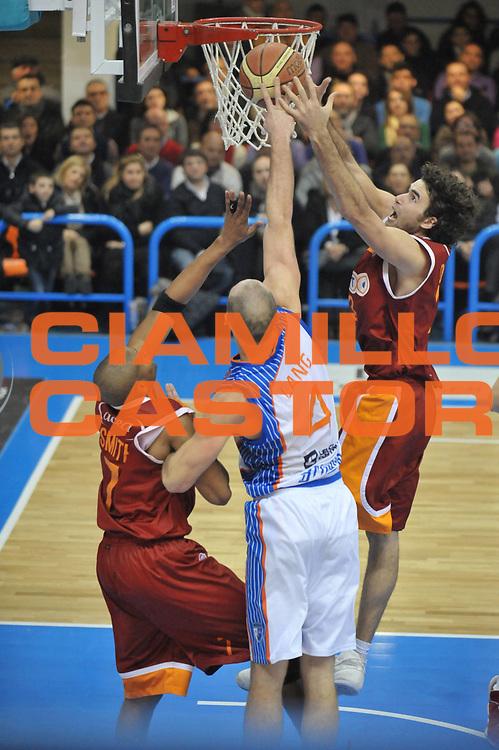 DESCRIZIONE : Brindisi Lega A 2010-11 Enel Brindisi Lottomatica Virtus Roma<br /> GIOCATORE : Luigi Datome <br /> SQUADRA : Lottomatica Virtus Roma<br /> EVENTO : Campionato Lega A 2010-2011<br /> GARA : Enel Brindisi Lottomatica Virtus Roma<br /> DATA : 23/01/2011<br /> CATEGORIA : rimbalzo<br /> SPORT : Pallacanestro<br /> AUTORE : Agenzia Ciamillo-Castoria/D.Tasco<br /> Galleria : Lega Basket A 2010-2011<br /> Fotonotizia : Brindisi Lega A 2010-11 Enel Brindisi Lottomatica Virtus Roma<br /> Predefinita :