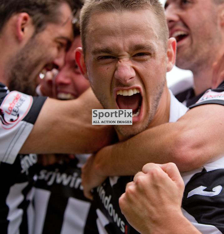 Stenhousemuir v Dunfermline Athletic SPFL League One Season 2015/16 Ochilview Park 19 September 2015<br /> Ryan Wallace celebates Joe Cardles opening goal <br /> CRAIG BROWN | sportPix.org.uk