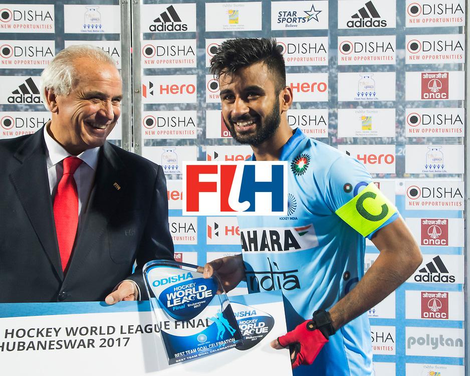 BHUBANESWAR - Hockey World League finals Match for bronze , Germany v India (1-2). Manpreet Singh (Ind) with Leandro Negre.  COPYRIGHT KOEN SUYK
