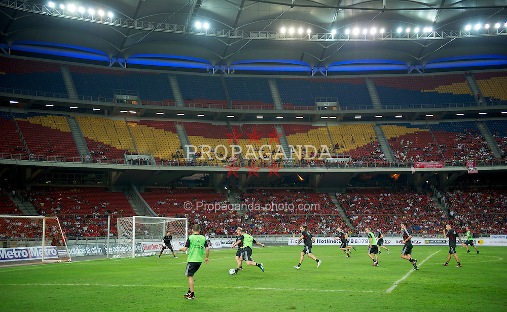 KUALA LUMPUR, MALAYSIA - Thursday, July 14, 2011: Liverpool's players during a training session at the National Stadium Bukit Jalil in Kuala Lumpur ahead of their second pre-season friendly match on day four of the club's Asia Tour. (Photo by David Rawcliffe/Propaganda)